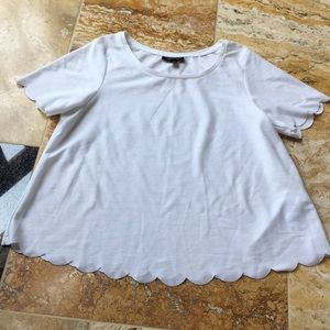 Topshop Shortsleeve T-shirt/pretty scalloped hems